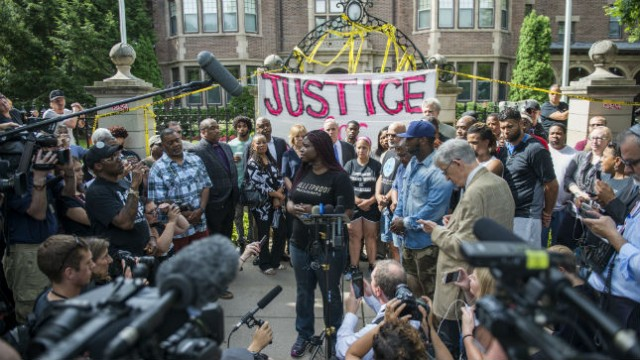 Black Lives Matter Protesting Philando Castile shooting